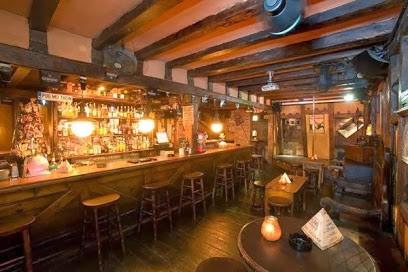 Bar Pub Desvan Puerto Banus